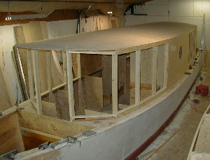 cabin side, bow view